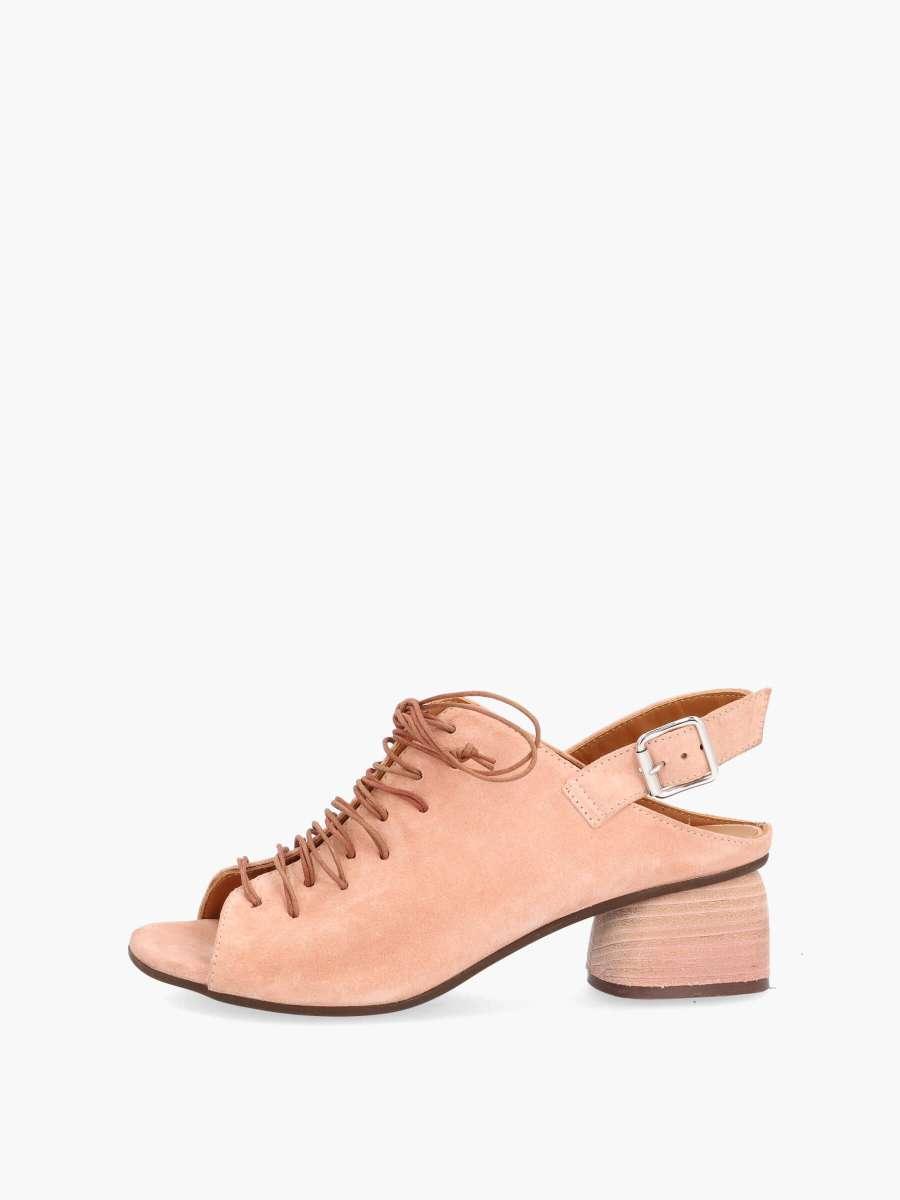 Laced sandals contour